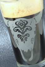 Engraved SALE Cow Skull sandblasted Etched Pint Glass Close Up