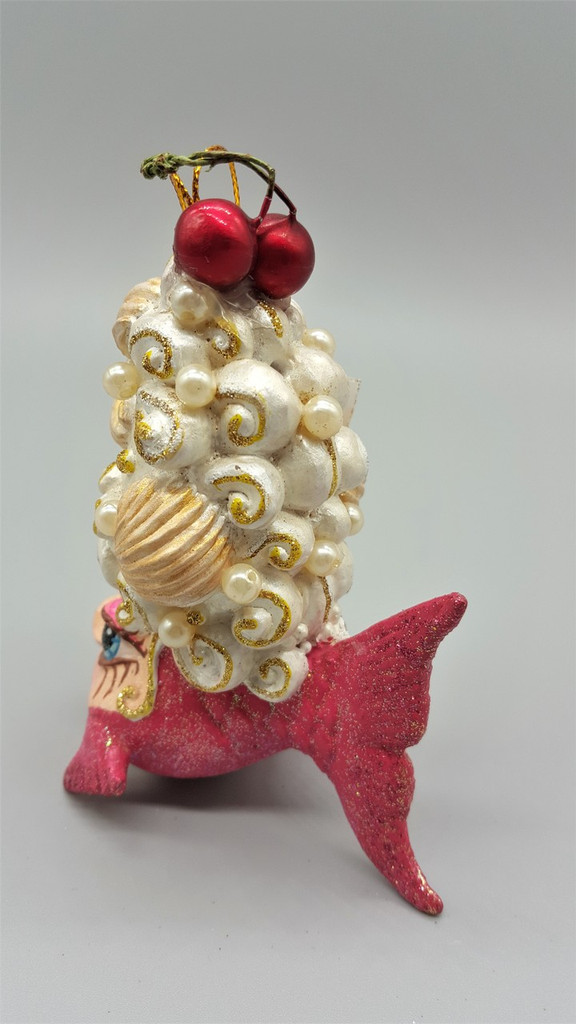 Kissing Fish Cherry Shell Tree Ornament