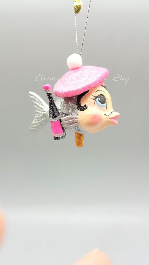 Monsieur Baguette Kissing Fish Decoration