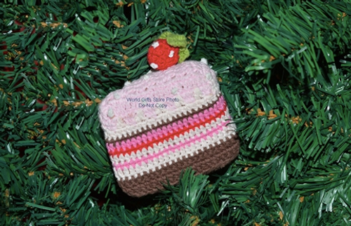 Knitted Cake Decoration Display