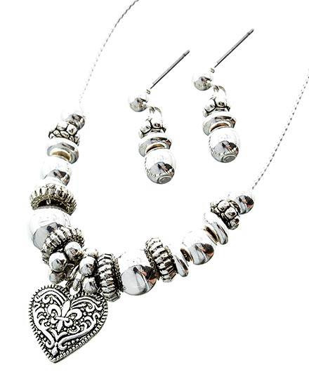 """resell for 21.00 or more Kids / Silver Tone / Ccb Bead / Lead&nickel Compliant / Valentine's Day / Heart Pendant Necklace & Post Earring Set  •   LENGTH : 14"""" + EXT •   PENDANT : 3/4"""" L •   EARRING : 7/8"""" L Style #KHNS010818g"""