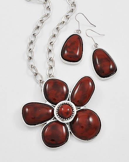 """resell for 27.00 or more Silvertone Metal / Red Acrylic / Lead&nickel Compliant / Flower Pendant Necklace & Fish Hook Earring Set /  •   LENGTH : 16 1/2"""" + EXT •   PENDANT : 2 1/2"""" DIA •   EARRING : 2 1/4"""" L  •   ANTIQUE SILVER/RED Style #RSFNS031218g"""