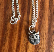 Resell for 9.00 or more 16 inch silver tone curb chain Pewter owl Style #LGON031618g