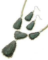 "resell for 27.00 or more Matte Silver Tone / Grey Acrylic / Lead&nickel Compliant / Metal / Fish Hook (earrings) / Y-neck / Necklace & Earring Set  •   LENGTH : 18"" + EXT •   PENDANT : 2 1/8"" X 2 1/2"" •   EARRING : 7/8"" X 2 1/4""  •   SILVER/GREY Style #GSTNS032018g"