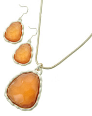 "resell for 27.00 or more    Matte Silver Tone / Orange Acrylic / Lead&nickel Compliant / Metal / Fish Hook (earrings) / Pendant / Necklace & Earring Set / •   LENGTH : 17 3/4"" + EXT •   PENDANT : 1 3/4"" X 2 1/2"" •   EARRING : 1"" X 2""  •   SILVER/ORANGE Style #FONS032018g"