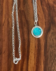 Resell for 9.00 or more Mint drusy resin Pewter framed bezel 18 inch silver tone chain Style #MDN040618g