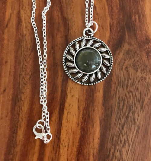 Resell for 12.00 or more Pewter bezel army green mottled acrylic 24 inch silver tone chain Style #MGCPN041218