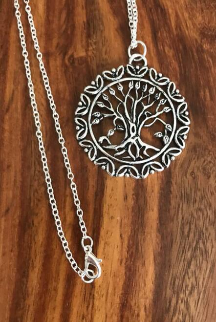 """Resell for 12.00 Or more Pewter tree of life 1.5"""" x 1.5"""" 24 inch rolo chain silver tone Style #TLPN041718"""