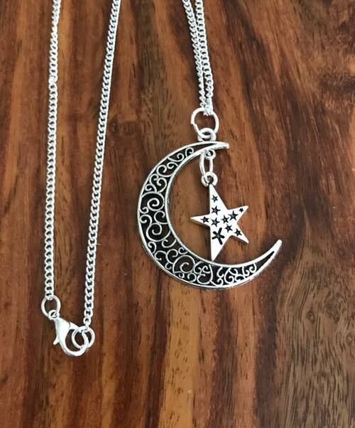 """Resell for 12.00 or more 24"""" silver tone chain Pewter moon w star 1 5/8"""" Style #MSN042018"""