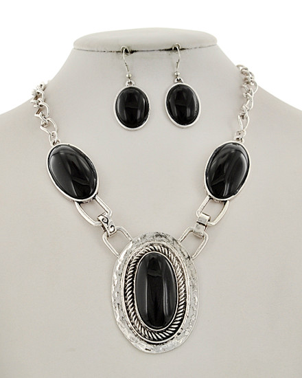 "resell for 40.00 or more Silver Tone / Black Acrylic / Lead&nickel Compliant / Metal / Fish Hook (earrings) / Oval Pendant / Necklace & Earring Set  •   LENGTH : 19 1/2"" + EXT •   EARRING : 7/8"" X 2"" •   DROP : 2 1/2""	 •   SILVER/BLACK  Style #BNS061218"