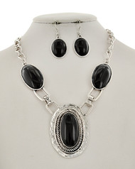 """resell for 40.00 or more Silver Tone / Black Acrylic / Lead&nickel Compliant / Metal / Fish Hook (earrings) / Oval Pendant / Necklace & Earring Set  •   LENGTH : 19 1/2"""" + EXT •   EARRING : 7/8"""" X 2"""" •   DROP : 2 1/2"""" •   SILVER/BLACK  Style #BNS061218"""