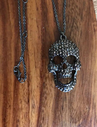 Resell for 18.00 or more 18 inch gunmetal chain Hematite color crystal / moveable jaw Skull pendant Style #GMSP071118