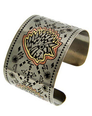 "resell for 18.00 or more Tri-tone / Lead Compliant / Metal / Western Theme / Indian Head / Cuff Bracelet  •   SIZE FREE : CUFF •   DIAMETER : 2 5/8"" •   WIDTH : 1 3/4""  •   TRI TONE  Style #TTICCB073018"