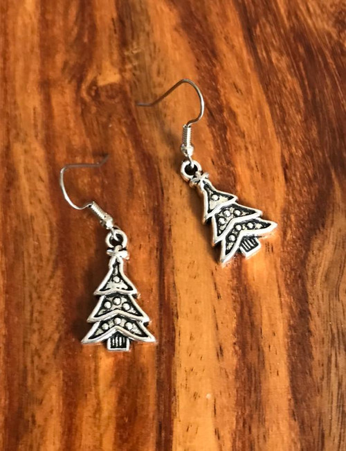 Resell for 6.00 or more Pewter Christmas tree