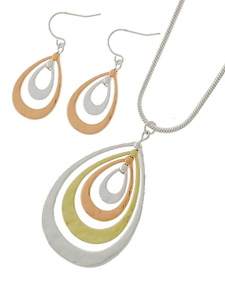 """20.00 resell for 60.00 or more Tri-tone / Lead&nickel Compliant / Metal / Fish Hook (earrings) / Pendant / Necklace & Earring Set  •   LENGTH : 16 1/4"""" + EXT •   PENDANT : 1 1/4"""" X 2"""" •   EARRING : 1 3/8""""L •   SILVER/R.GOLD  Style #TTPNS101518"""