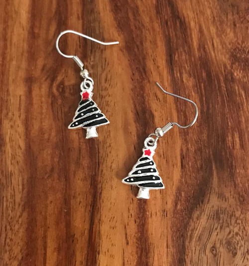 Resell for 12.00 or more Pewter enameled Christmas tree