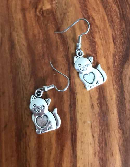 Resell for 6.00 or more Pewter kitty w heart ❤️  Surgical steel ear wires Style #KHE110818