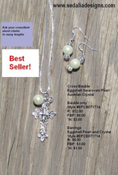 Eggshell pearl and crystal bauble