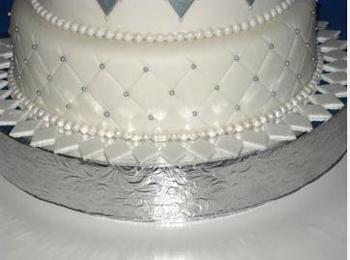 silverwedcake2.jpg