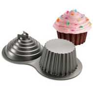 WILTON DIMENSIONS LARGE CUPCAKE PAN