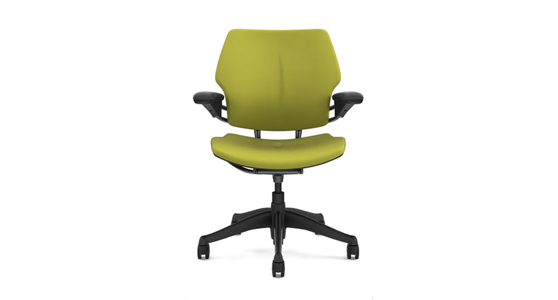 Increased contact area throughout the chair reduces pressure points