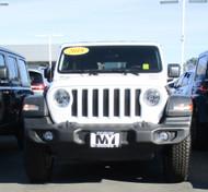 2018 Jeep Wrangler JL with Plastic Bumper  removable license plate bracket