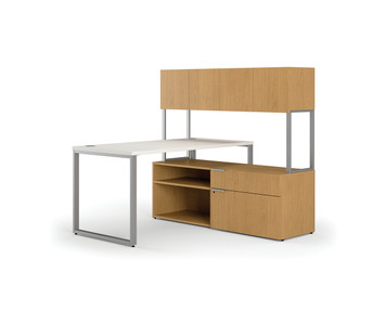 Voi Small Footprint L-Station with Credenza, right handed