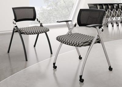 Merveilleux Jiminy Nesting Chair