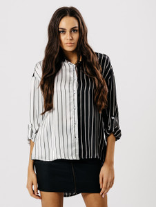 Contrast Monochrome Stripe Dip Hem Shirt