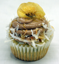 Banana Caramel Cream Cupcakes