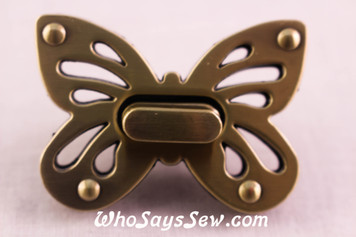 Large Butterfly Twist Lock in Brushed Antique Bronze