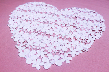 Medium Heart Shaped Cotton Lace Collar/Yoke in Snow& Natural White (0755)