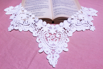 Large Cotton Lace Collar/Yoke in Snow& Natural White (0267)
