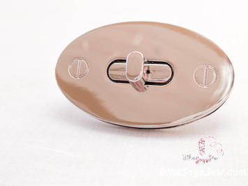 Medium Modern Oval Twist Lock in Shiny Nickel (Silver) 5cmx3cm