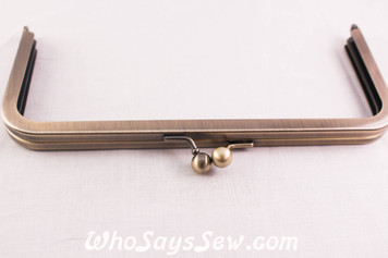 Rectangular Metal Kisslock Purse Frame in Brushed Antique Brass 19.8cmx 9cm - Glue In