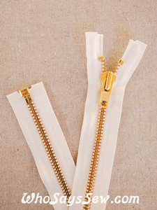 "YKK Size 8 Separating/Open Ended 75cm(30"") Zipper with GOLDEN Brass Metal Teeth. Heavy Weight for Jackets. OFF WHITE Tape"
