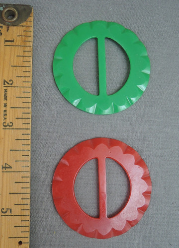 Lot of 2 Vintage Plastic Dress Buckles, red & Green, 1940s 1950s