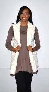 2225 White Faux Fur Vest