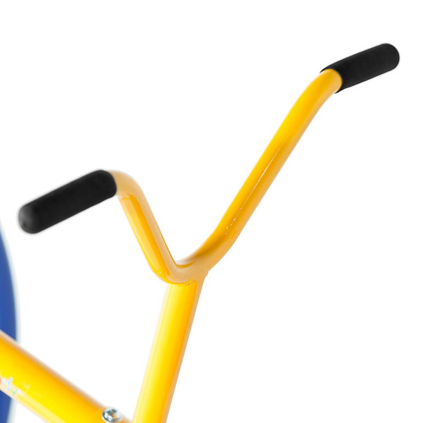 The  Gym Dandy Teeter Totter TT-210 has rubber grips on the handles for safety