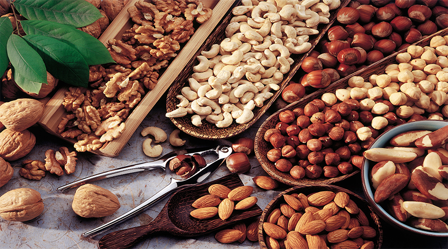 assorted-nuts-bazzini-500x900.png