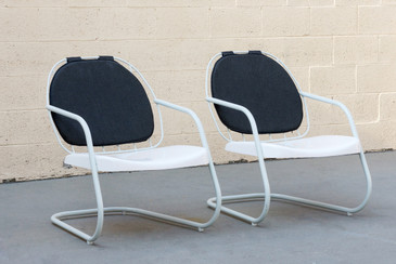 Pair of Cruiser Patio Lounge Chairs by Ilan Dei Venice