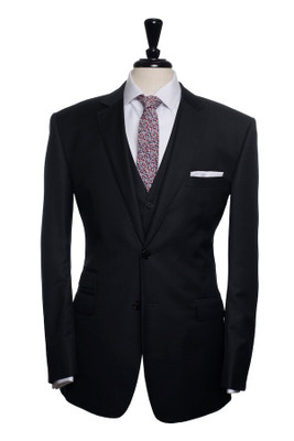 Oskar Three Piece Suit