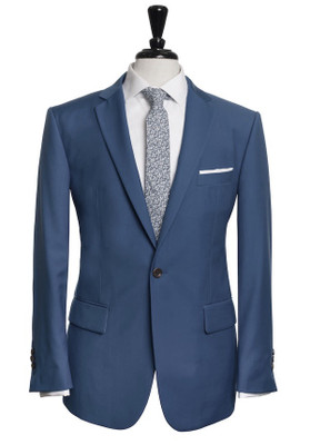 Belfort Three Piece Suit
