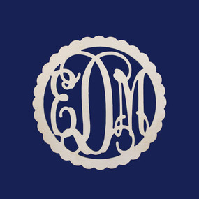 22 in Scallop Wood Monogram