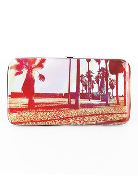 BAG ACCESSORY / PALMTREE PRINT / VINYL FLAT WALLET / CLUTCH / PHONE POCKET / CASH POCKET / CREDIT CARD POCKET / SNAP CLOSURE / ONE SIZE / 7 INCH WIDE / 4 INCH TALL / NICKEL AND LEAD COMPLIANT