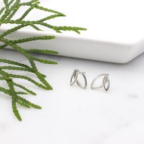 Jeannine Leaf Stud Earrings - hesmarieH® TREASURE