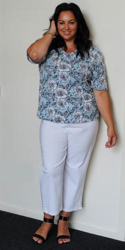 Grey Flower Button 3/4 Pants