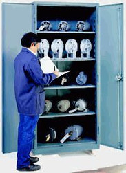 1115 Lyon Heavy Duty Storage Cabinet Full Height