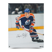 "WAYNE GRETZKY Autographed ""Rookie Season"" 16 X 20 Photo UDA"