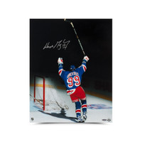 "Wayne Gretzky Autographed ""Final Assist"" 16 x 20 Photo UDA"